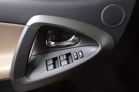 汽车用POM材料